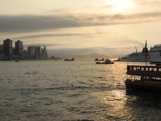 shun tak centre, star ferry, random cruiseship and other boats...