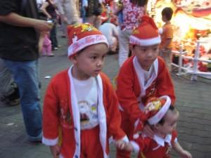 santas in HCMC